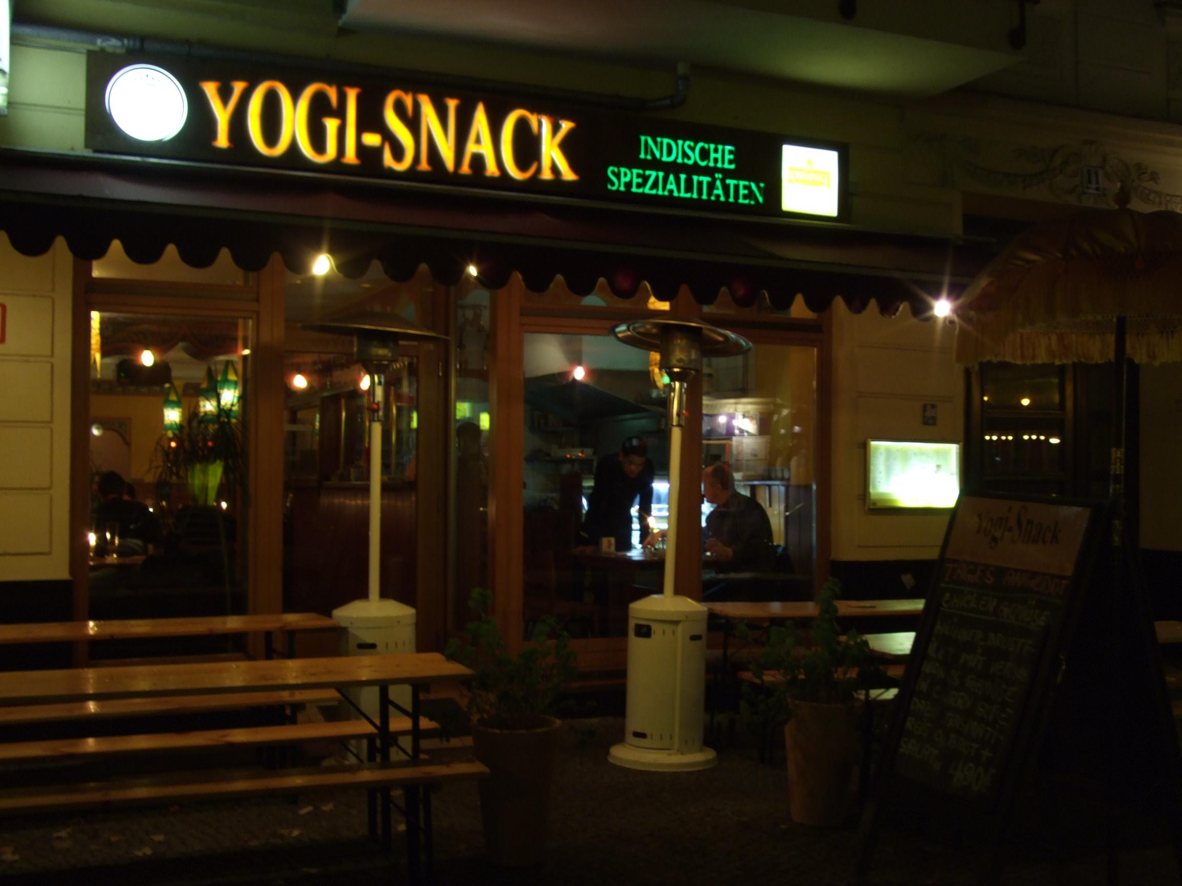 ein indisches restaurant in friedrichshain in berlin im jahr 2007. Black Bedroom Furniture Sets. Home Design Ideas